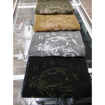 The operator T-shirt by Oakley